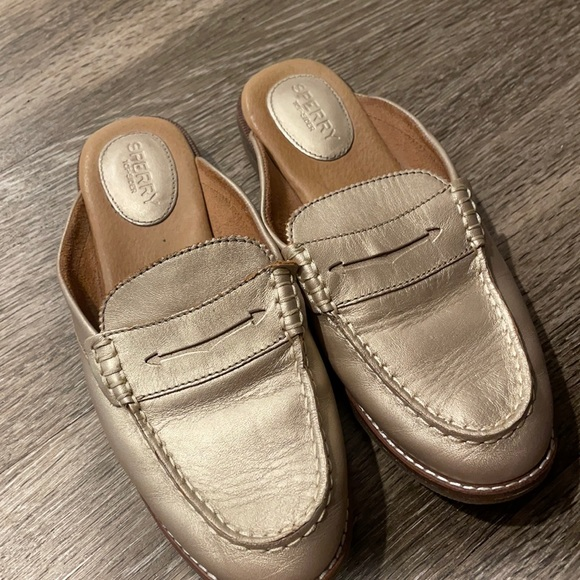 ❗️ final clearance ❗️Sperry Rose Gold Loafers